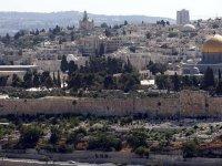 Fanatik Yahudilerden Mescid-i Aksa'ya İsrail polisi eşliğinde baskın