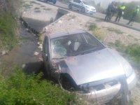 Konya'da Otomobil Kanala Düştü