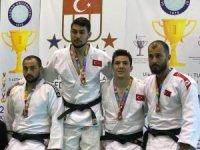 NEÜ'lü judoculardan 3 madalya