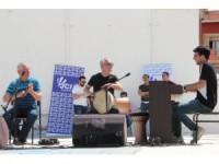 Engelli çocuklar yararına konser