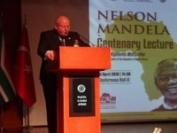 Gökkuşağı Ulusu'nun lideri Mandela 100'üncü doğum yılında anıldı