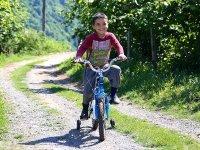 Öğretmenler engelli öğrencilerinin bisiklet hayalini gerçekleştirdiler