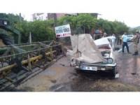 Osmaniye'de otomobil biçerdöverle çarpıştı: 1 ölü 3 yaralı