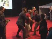 İnce'nin korumaları vatandaşı sahneden fırlattı