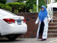 Lüks içinde yaşıyor... Adil Öksüz'ün eşi ABD'de görüntülendi!