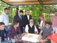 MHP'li Esin Kara'dan yaşlılara bayram ziyareti