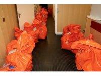 Hollanda'da kullanılan oyların bulunduğu kargo araçları yola çıktı