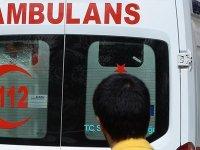 Kavgaya müdahale eden polis memuru bıçakla yaralandı