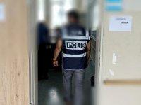 Saadet'in sandık görevlisi mükerrer oy kullanmaya çalışırken yakalandı