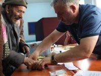 109 yaşındaki Ahmet dede de oyunu kullandı!