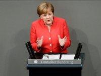 Merkel: Türkiye ekonomisinin güçlü olması Almanya için önemli