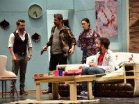 """Akşehir'de """"Bir Yer Bir Nesne Bir Fiil"""" oyunu sahnelendi"""