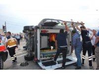 Amasya'da ambulansla otomobil çarpıştı