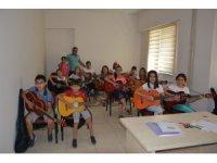 Gitar ve Bağlama kursuna yoğun ilgi