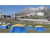 Erciyes'teki çadır kamplara yoğun ilgi