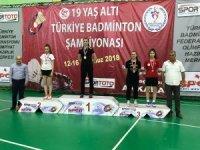 Osmangazili badmintonculardan başkent çıkarması