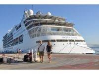 Turist gemilerinin gözdesi Kuşadası