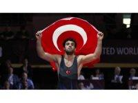 Kayseri Şekersporlu milli güreşçi  Ekrem Cengiz Dünya Şampiyonasına adım adım ilerliyor