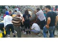 Takla atan traktörde sıkışan baba ve kızını Afad kurtardı