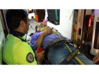 İki otomobil kafa kafaya çarpıştı: 1'i ağır 4 yaralı