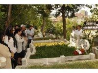Beşiktaş, Yusuf Tunaoğlu'nu mezarı başında andı