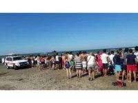 Karasu'da denize giren vatandaş suda kayboldu