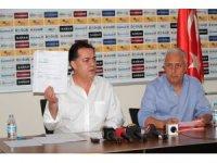 Eskişehirspor Başkanı Halil Ünal, Başkan Büyükerşen'i istifaya davet etti