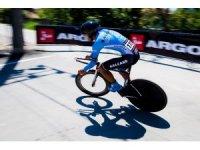 Bisiklet takımı madalya için pedav çevirecek