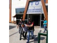 'Valiyim' diyerek iş adamlarını 100 bin TL dolandıran 2 kişi tutuklandı