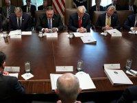 Beyaz Saray'daki kabine toplantısı dua ile başladı