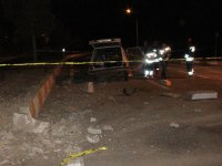 Konya'da refüje çarpan otomobilin sürücüsü öldü