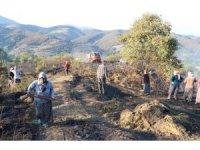 Köylülerden yangın söndürme çalışmasına destek
