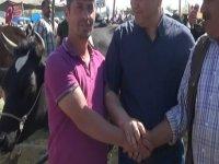 Mehmet Karahan hayvan pazarını gezdi