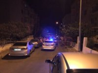 Kız arkadaşını korkutmak için sokağa ses bombası atan şahıslar yakalandı