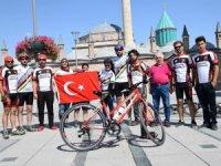 Bisikletçiler bayrağı Isparta'ya ulaştırdı