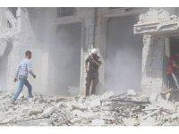 Esad rejimi ve Rusya, İdlib ve Hama'yı vurmaya devam ediyor