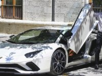 Milletvekilinden satılık Lamborghini Aventador!