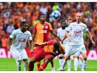 UEFA Şampiyonlar Ligi: Galatasaray: 1 - Lokomotiv Moskova: 0 (İlk yarı)