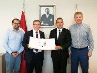 Edirne'de doktorlara robotik cerrahi eğitimi verilecek