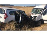 Antalya'da trafik kazası: 16 yaralı