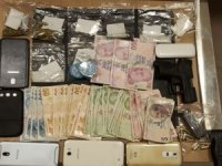 Polisten uyarıcı ve uyuşturucu hap operasyonu