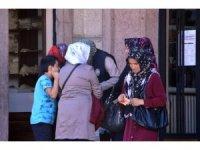 İŞKUR'a başvurmak isteyen vatandaşlar kalabalık oluşturdu