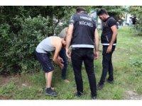Kocaeli polisi öğrencilerin güvenliği için okul önlerinde göz açtırmadı