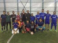 Hakkari'de 'Fatih Keskin Halı Saha Futbol Turnuvası' başladı