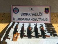 Beytüşşebap'ta PKK'ya ait silah ve patlayıcı ele geçirildi