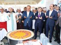 Cumhurbaşkanlığı Himayesinde Konya'da Aşure Dağıtıldı