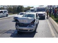 Kargo aracına arkadan çarpan sürücü yaralandı