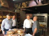 AK Parti Milletvekilleri Edremit'te vatandaşlarla kucaklaştı