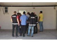 """FETÖ'nün """"gaybubet"""" evinde yakalanan 5 şüpheli tutuklandı"""