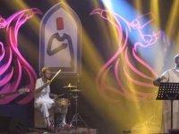 Lübnanlı müzisyen Daline Jabbour Konya'da konser verdi